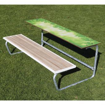 Einzeltisch, Bank mit Holzeinsatz