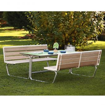 Sitzgruppe mit 6 – 8 Sitzplätzen mit Holzeinsatz