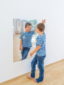 Selbstklebender Spiegel
