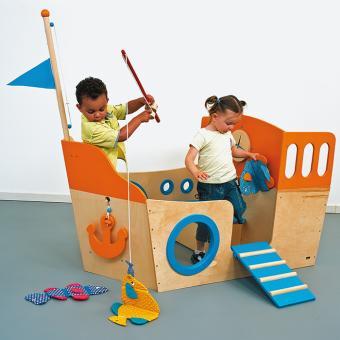 Indoor-Spielschiff aus Holz