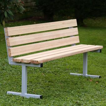 Sitzbank aus Holz