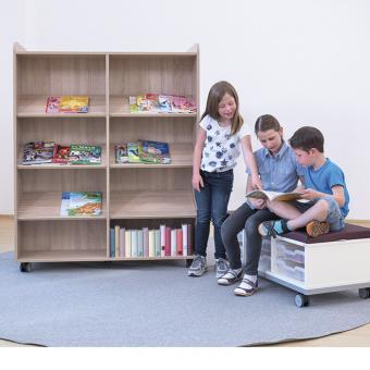 Flexeo® Bücherwagen breit, mit Mittelwand, 6 Schrägablagen je Regalseite
