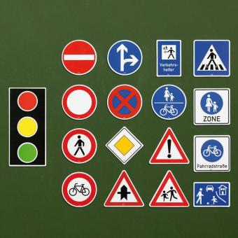 Verkehrszeichen-Satz für die Tafel