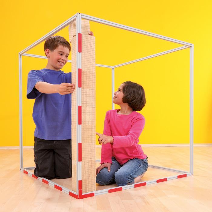 r umliches millionen modell 1 kubikmeter als demo set. Black Bedroom Furniture Sets. Home Design Ideas